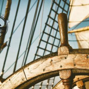 Acqua di Columbus è un brand che sa di mare e di storia. Si tratta di 3 fragranze che portano nomi legati ai viaggi del navigatore più famoso di tutti i tempi, Cristoforo Colombo,